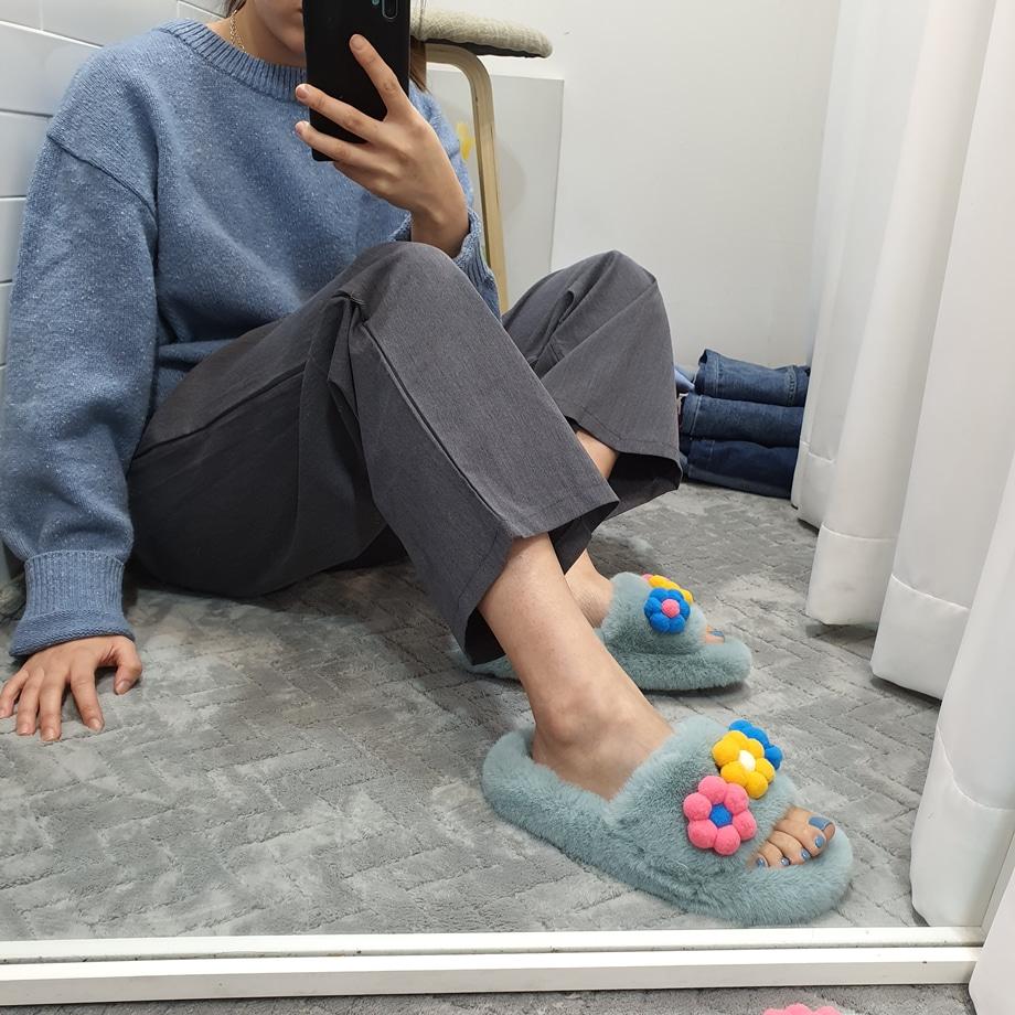 WS-6893 여자 꽃장식 토끼털 실내화 털안감 슬리퍼 - 더보이더걸, 40,800원, 샌들/슬리퍼, 슬리퍼